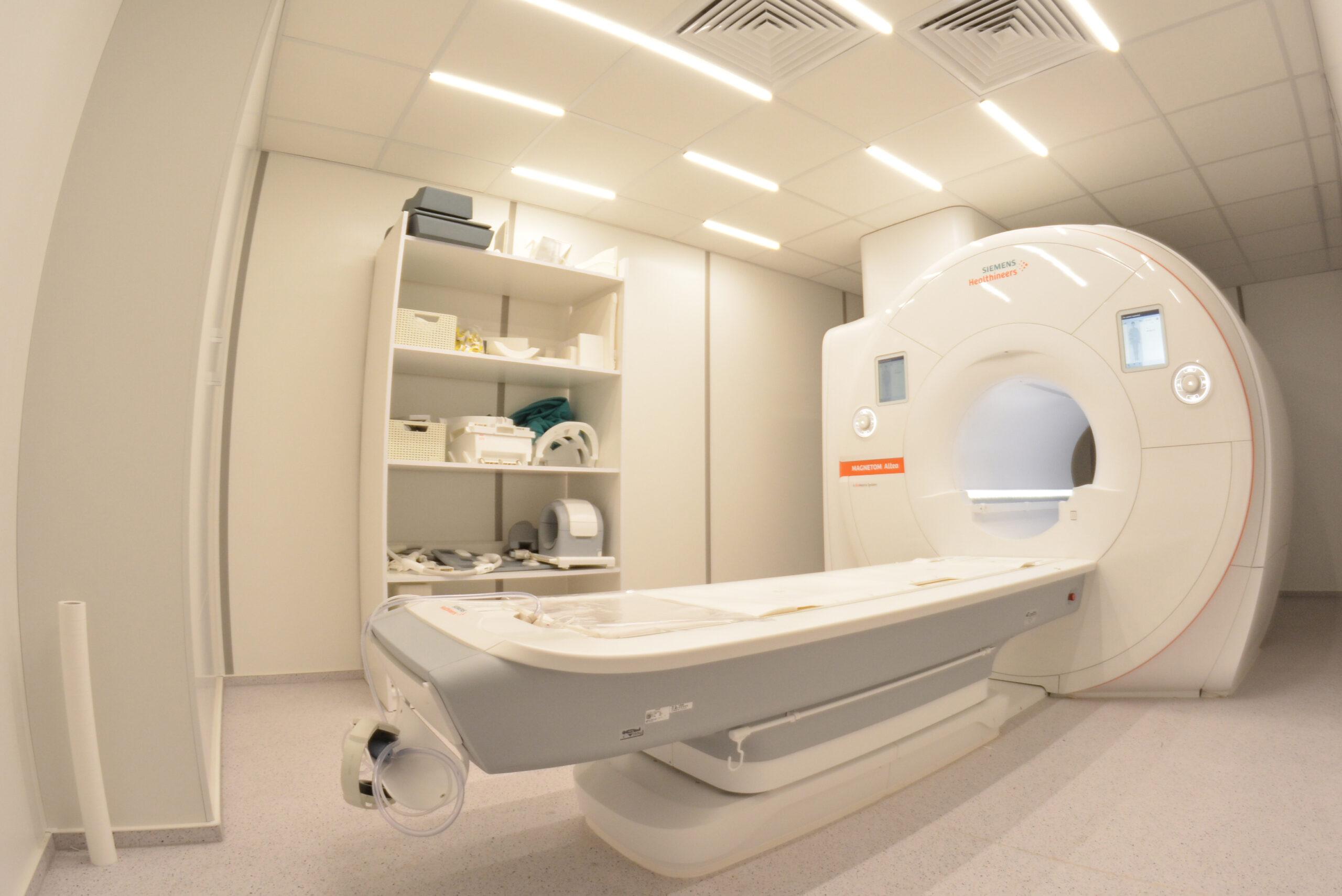 rezonans magnetyczny bez skierowania